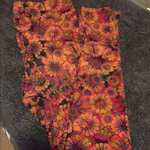 Floral T&C Lularoe Leggings